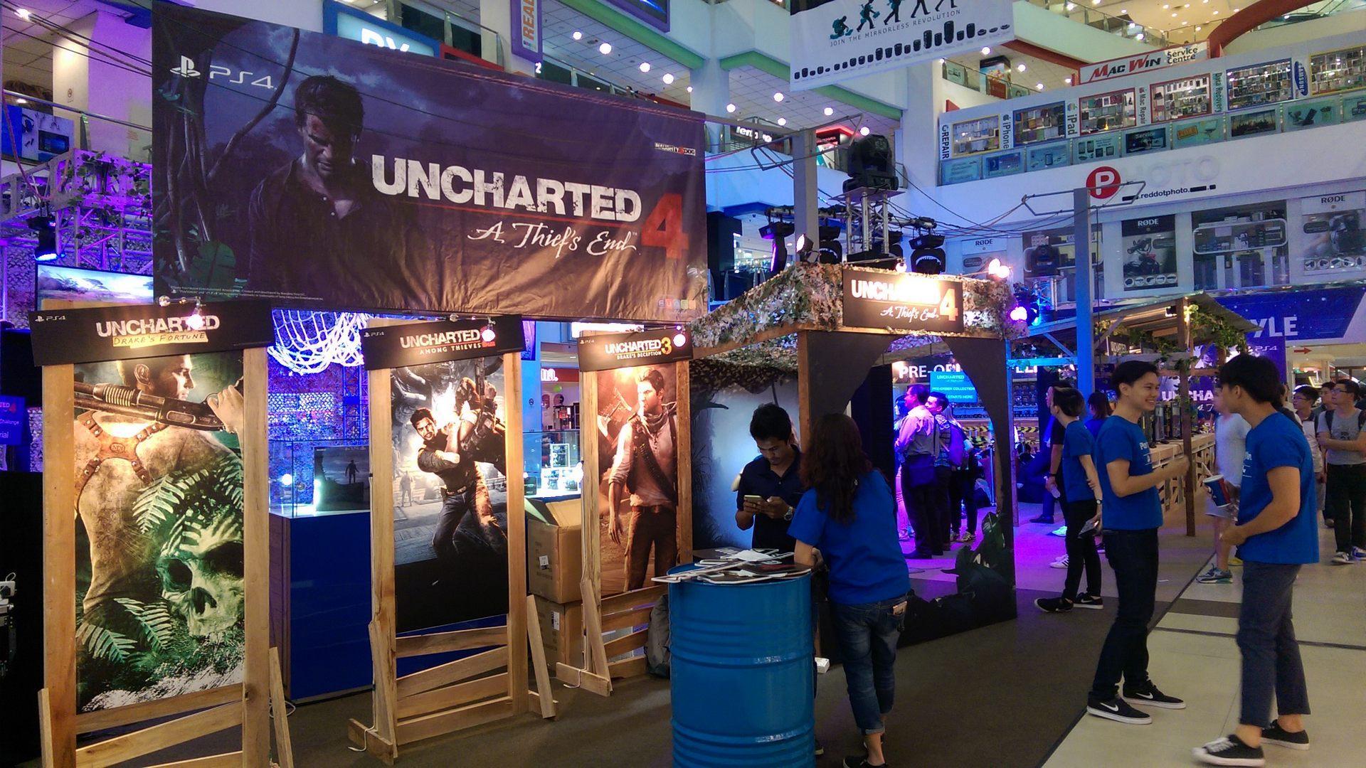 """Uncharted 4: A Thief's End thử thách """"cơ bắp"""" các game thủ hâm mộ tại lễ ra mắt ở Singapore!"""